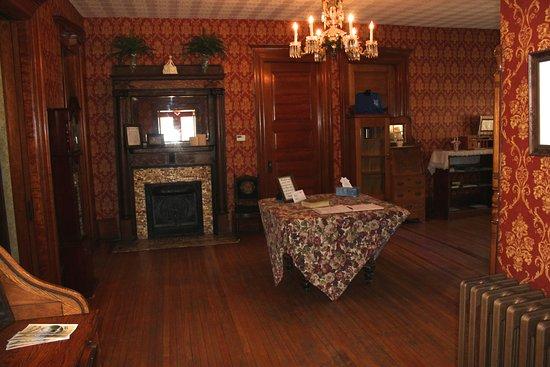 Victorian Charm Inn: Lobby
