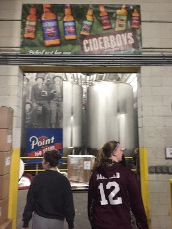 Stevens Point, WI: Beer heaven! Excellent tour with awesome tastes! Kids enjoyed the soda and adults appreciated th