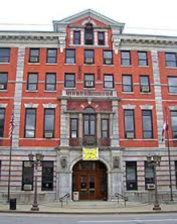 Poughkeepsie, Estado de Nueva York: Front of Court House on Market Street