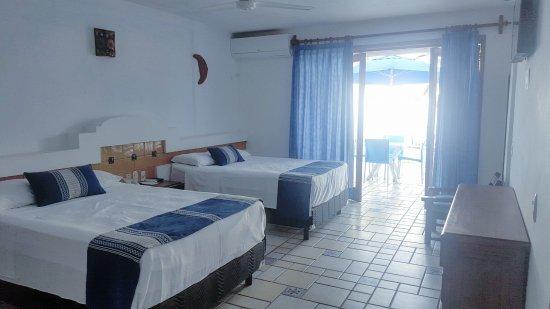 Playa Conchas Chinas Hotel: BALCON DE HABITACION CON VISTA AL MAR