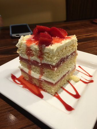 Spring Hill, TN: Great Seasonal Strawberry Cake