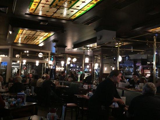Photo of Bar Alt-Berliner Biersalon (Donnerstag Karaoke) at Kurfuerstendamm 225-226, Berlin 10719, Germany