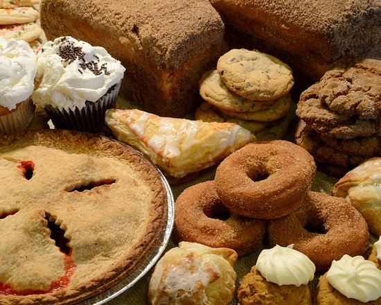 Ballston Spa, NY: Apple Cider Donuts, Pumpkin Cookies,Apple Turnovers, Cinnamon Bread