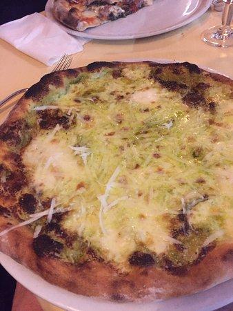 Mezza Luna DI Esposito Luigi & C. S.N.C: photo1.jpg