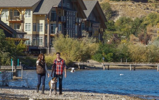 Summerland, Canada: Walk along the lakefront