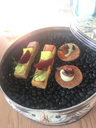 Kaag, Niederlande: Fantastisch gegeten bij Tante Kee. Dit restaurant is onlangs prachtig verbouwd. Locatie is gewel