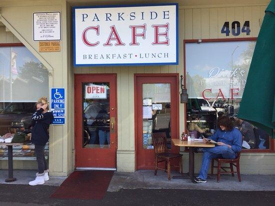 Dierks Parkside Cafe: Unimposing front, but look inside