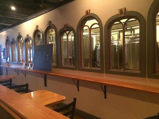 Danville, PA: The Brewmasters room