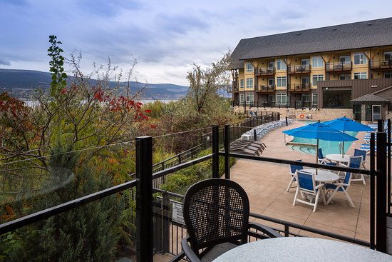 Summerland, Canadá: Studio Suite Lake & Pool View