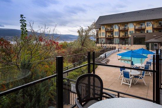 Summerland, Canada: Studio Suite Lake & Pool View