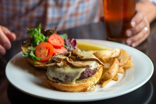 มูสิก, เพนซิลเวเนีย: Enjoy our Local Grass-Fed Beef Burger or Grass-Fed Bison Burger!