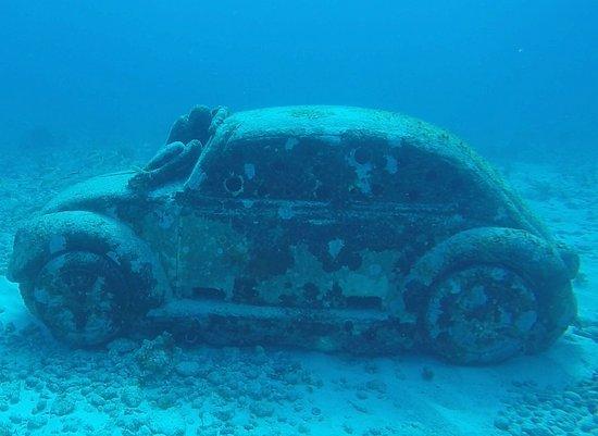 MUSA Cancún (Museo Subacuático de Arte): One of two VW Beetles