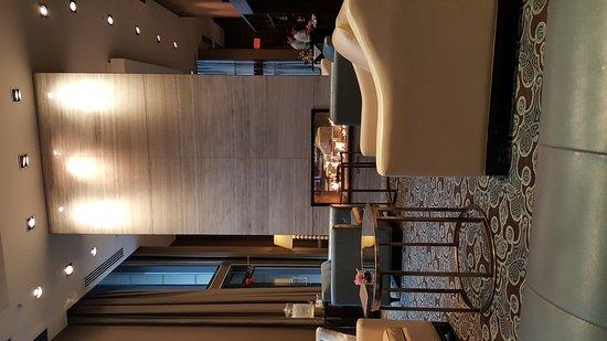 L'Hermitage Hotel: 20170408_081938_large.jpg