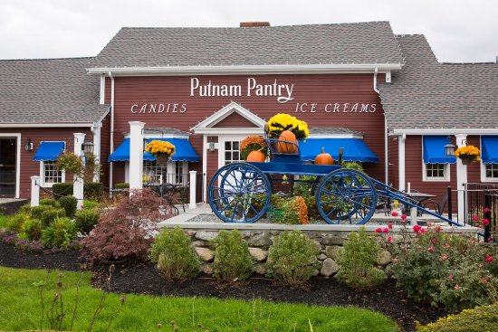 Our building is a Route 1 Icon - Picture of Putnam Pantry
