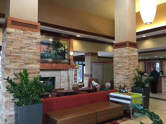 Hilton Garden Inn Milwaukee Airport: photo3.jpg