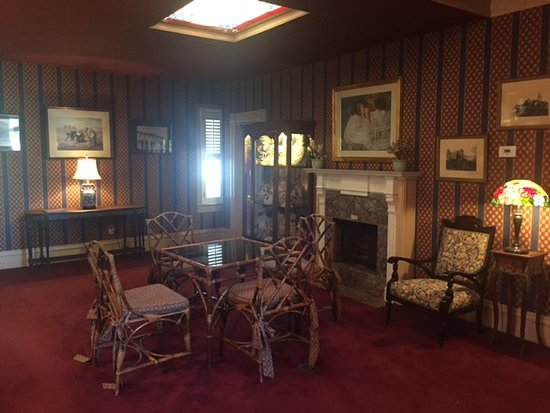 Hotel St. Helena: Common area for conversation and parities when no one is around
