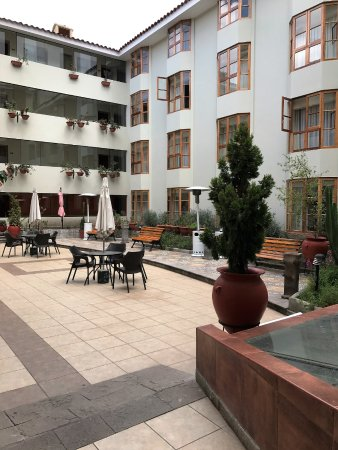 Eco Inn Cusco: hotel courtyard