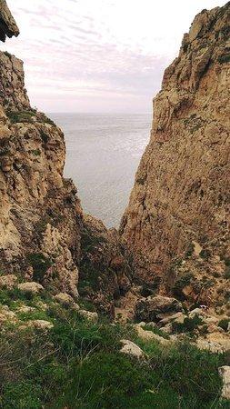 Rabat, Malta: Going down a steep trail