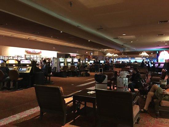 Edgewater Hotel & Casino: 大廳賭場