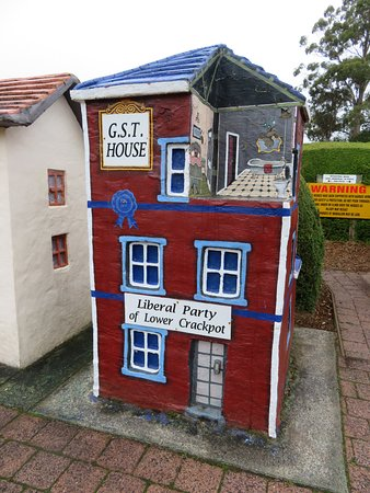Promised Land, Australia: GST House (minus 10%), Lower Crackpot