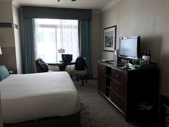 The Georgian Hotel: photo0.jpg