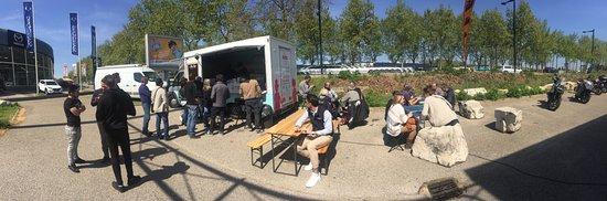 Caissargues, Frankreich: Un Service Midi a Dafy Moto