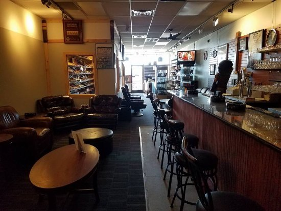 Livonia, MI: Cigar lounge with full bar, exclusive cigar selection. Leather seating.  Screen Tvs. Wifi.