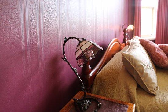 Penghana Bed & Breakfast: Owen suite - The General Manager's Bedroom with stunning views