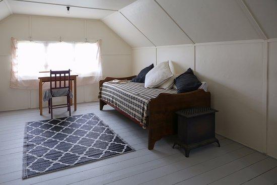 Penghana Bed & Breakfast: the attic room
