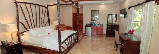 Burrell Boom, Belize: River Front Honeymoon Suite