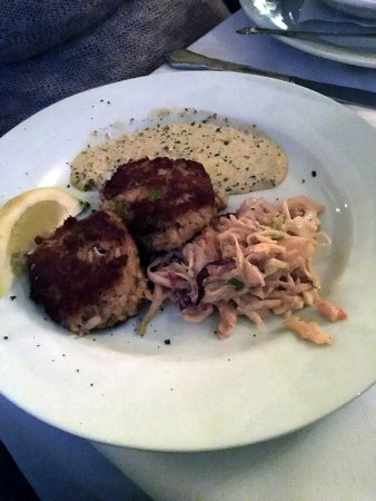 Burlington, KY: Crab cakes with excellent sauce