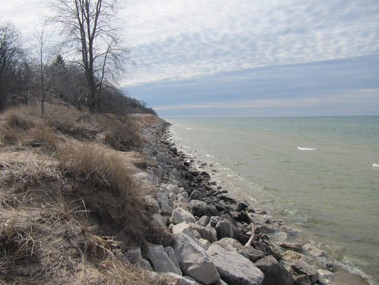 North Muskegon, มิชิแกน: View along the Lake Michigan coast at Duck Lake State Park