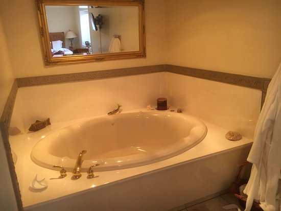Spring City, Γιούτα: Lodge Room in-room jacuzzi tub