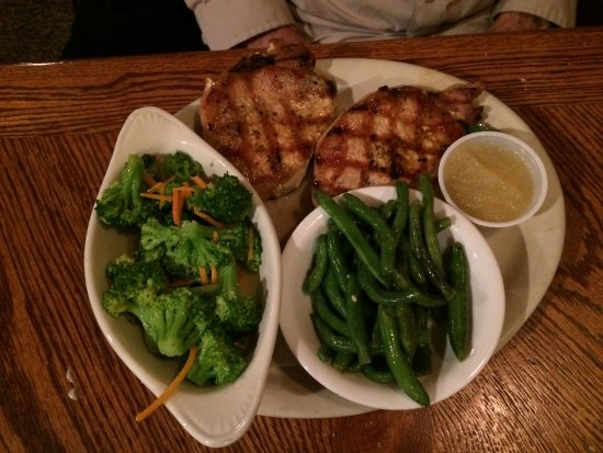 Show Low, AZ: Pork Chops and Vegetables with Applesauce