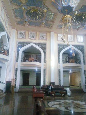 Zargaron Plaza Hotel: TA_IMG_20170414_094026_large.jpg