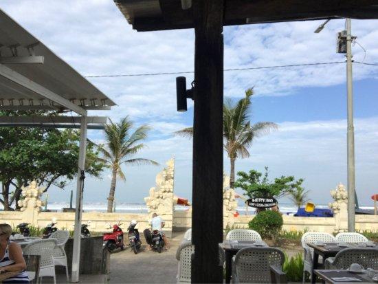 Mozzarella Restaurant and Bar: photo0.jpg