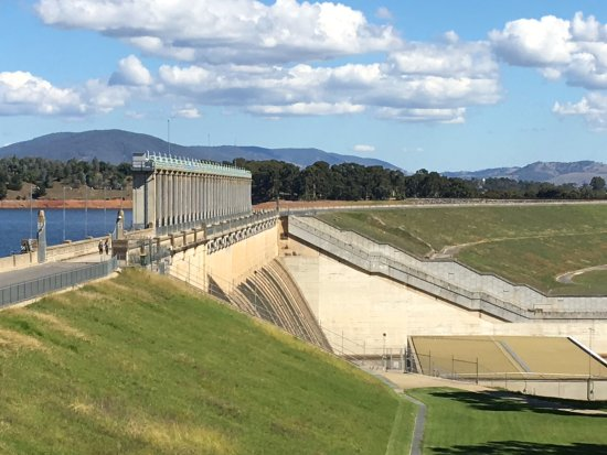 Hume Dam plaques - Picture of Lake Hume, Albury - TripAdvisor