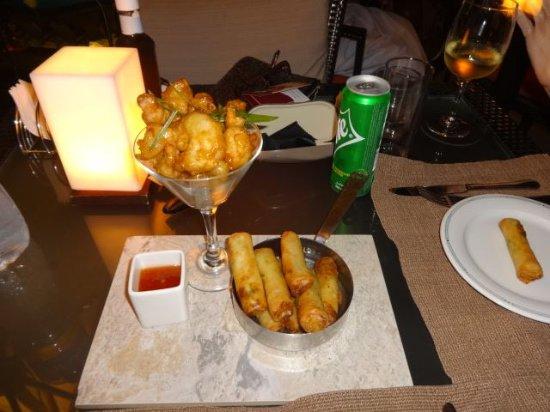 Dukes Bar: Shrimps and spring rolls