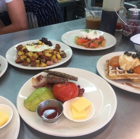 Whangamata, นิวซีแลนด์: Some of our delicious breakfast items!