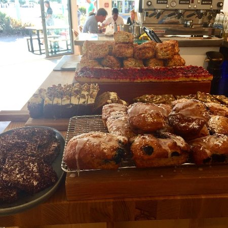 Whangamata, Nueva Zelanda: All of our baked goods are made right here and change each day