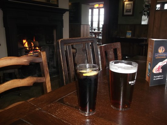 Seend, UK: A well deserved refreshment and warm welcome at the Inn