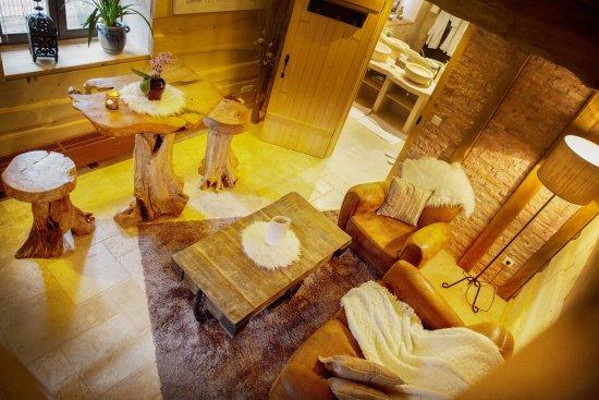la table du haut jardin rehaupal restaurantanmeldelser tripadvisor. Black Bedroom Furniture Sets. Home Design Ideas
