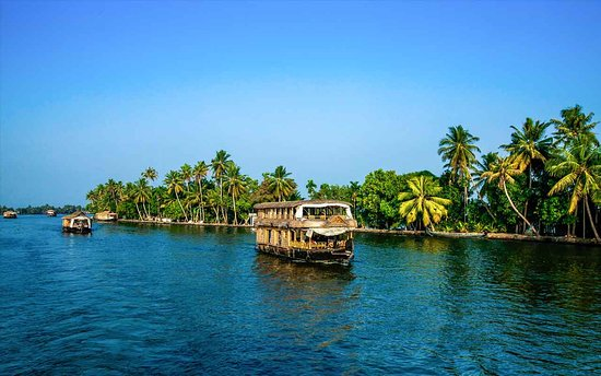 ‪Kerala Backwaters‬