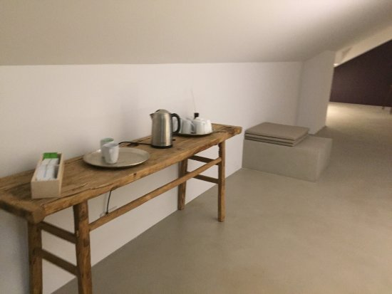 Hotel Baeren: Zimmer , Bad , Ruheraum ,Sauna , Bibliothek, Alles Top Modern