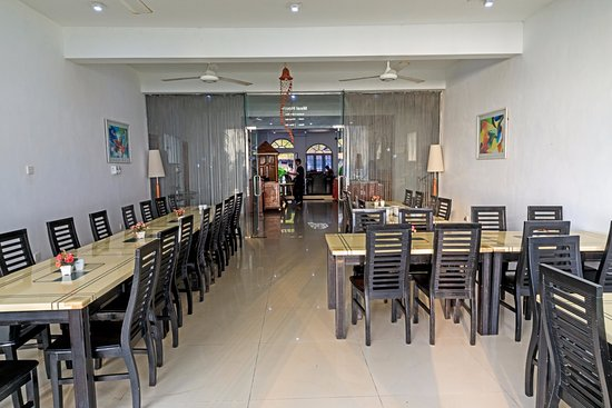 Tri Star Beach Hotel : Dining area