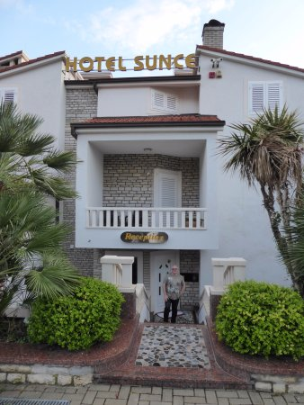 Hotel Sunce: The entrance