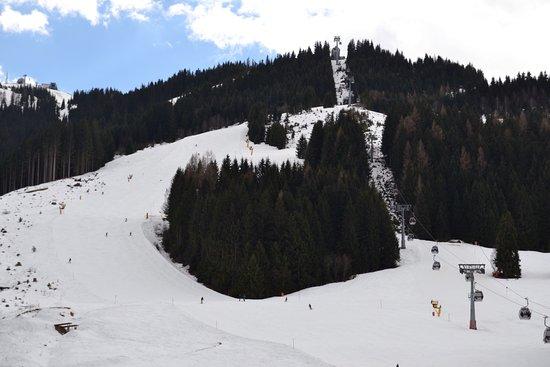 Unterwirt: Näkymä parvekkeelta maaliskuussa.