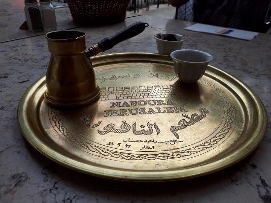 Nafoura: Coffee serving