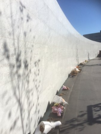 Bridge of Remembrance: Memorial Wall. Tranquil.