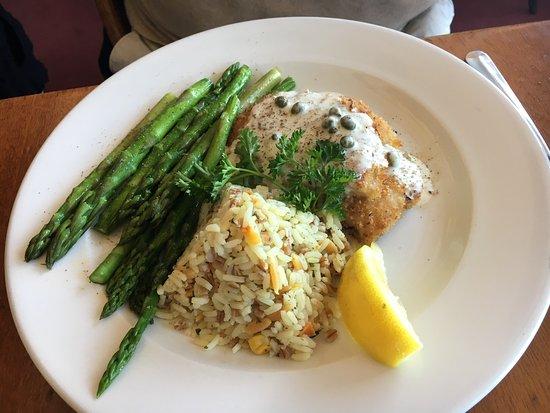 Miramar Beach Restaurant and Bar : Calamari steak with pilaf rice
